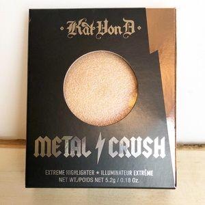 Kat Von D Metal Crush Highlighter in Gammaray
